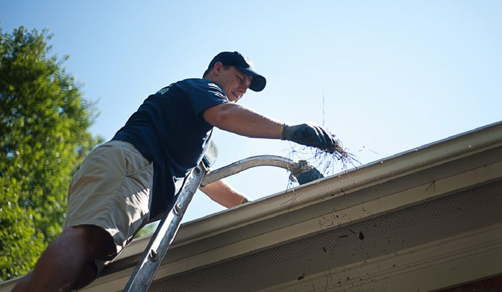 Baytown Gutter Cleaning